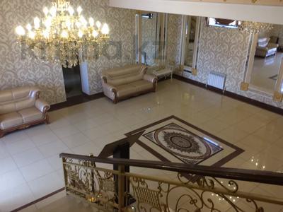 Здание, площадью 830 м², Микрорайон Степной-1 за 260 млн 〒 в Караганде, Казыбек би р-н — фото 3