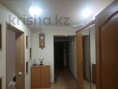 4-комнатная квартира, 91 м², 2/5 этаж помесячно, 26-й мкр за 130 000 〒 в Актау, 26-й мкр — фото 3