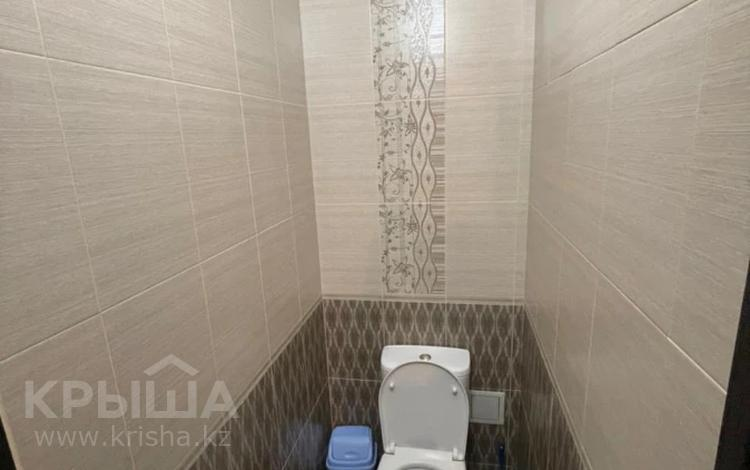 2-комнатная квартира, 68 м², 4/9 этаж, мкр Акбулак, Чуланова 117 за 25.5 млн 〒 в Алматы, Алатауский р-н
