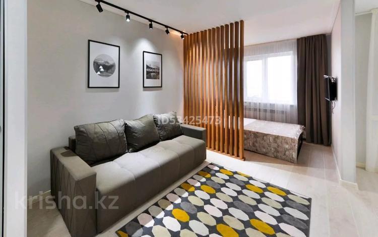 1-комнатная квартира, 45 м² посуточно, Туран 37/17 — Сыганак за 11 000 〒 в Нур-Султане (Астана), Есиль р-н