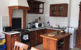 3-комнатная квартира, 130 м², 9/9 этаж помесячно, Студенческая 190 — Крупской за 350 000 〒 в Атырау