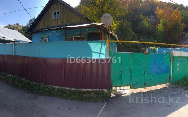 2-комнатный дом, 36 м², 8 сот., Шокая 263а за 19.5 млн 〒 в Алматы, Медеуский р-н