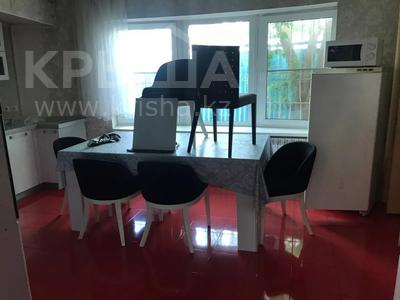 8-комнатный дом помесячно, 600 м², 10 сот., Шарля де Голля за 1 млн 〒 в Нур-Султане (Астана), Алматинский р-н — фото 6
