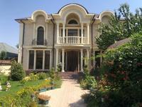 8-комнатный дом, 400 м², 8 сот., Мкр.Наурыз за 180 млн 〒 в Шымкенте