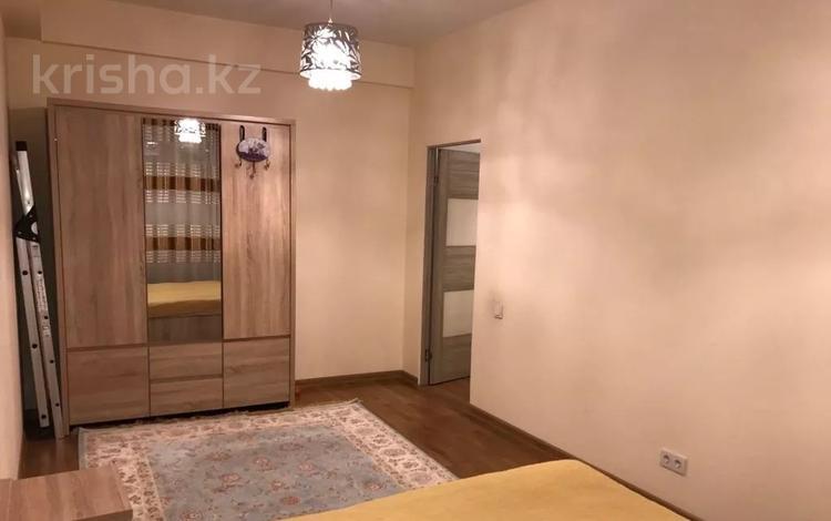 3-комнатная квартира, 85 м², 6/10 этаж на длительный срок, Казбек би 125/3 — Досмухамедова за 270 000 〒 в Алматы, Алмалинский р-н