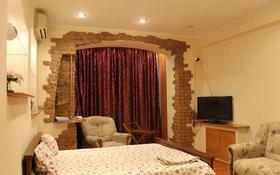 1-комнатная квартира, 45 м², 1/5 этаж посуточно, Абая — Фурманова за 9 000 〒 в Алматы, Медеуский р-н