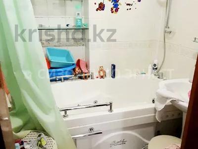 3-комнатная квартира, 66 м², 4/12 этаж, Медеуский р-н, мкр Самал-2 за 34.5 млн 〒 в Алматы, Медеуский р-н — фото 10