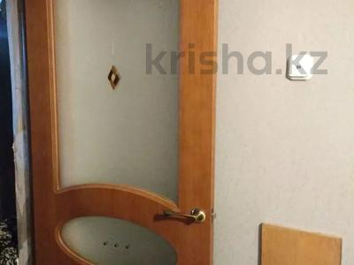 2-комнатная квартира, 54 м², 1/9 этаж, Ермекова 77/3 за 10.8 млн 〒 в Караганде, Казыбек би р-н — фото 2