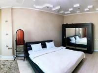 2-комнатная квартира, 65 м², 13/17 этаж посуточно, Абая 150/230 — Тургут Озала (Баумана) за 17 000 〒 в Алматы