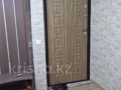 3-комнатная квартира, 68 м², 2/5 этаж помесячно, Ермекова 4 за 100 000 〒 в Караганде, Казыбек би р-н — фото 2