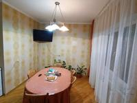 3-комнатная квартира, 97 м², 2/9 этаж помесячно