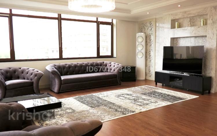 6-комнатная квартира, 275 м², 3/25 этаж, проспект Рахимжана Кошкарбаева 8 за 150 млн 〒 в Нур-Султане (Астане), Алматы р-н