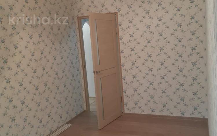 3-комнатная квартира, 60 м², 1/4 этаж, мкр №4, Мкр №4 — Абая за 22 млн 〒 в Алматы, Ауэзовский р-н