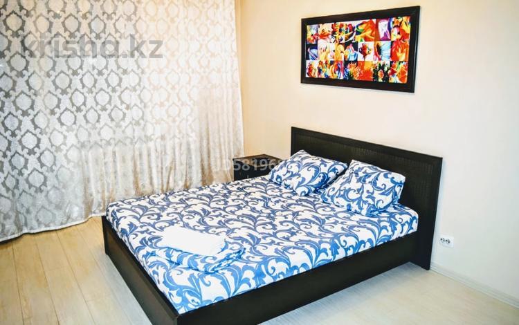 2-комнатная квартира, 50 м², 6/9 этаж посуточно, Бухар жырау 30/1 за 11 000 〒 в Нур-Султане (Астана), Есиль р-н