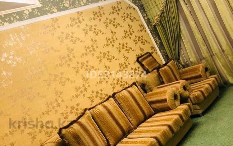 8-комнатный дом, 240 м², 8 сот., улица Жумабаева 21 за 50 млн 〒 в Шымкенте, Абайский р-н
