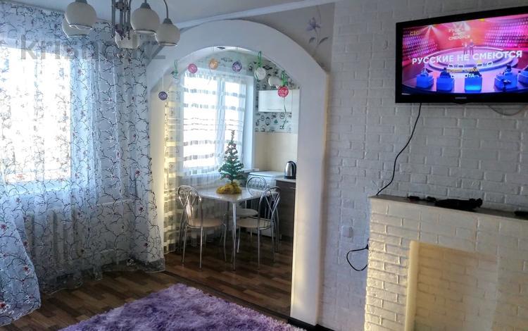2-комнатная квартира, 65 м², 5/5 этаж посуточно, 6й мкр 14 за 7 000 〒 в Темиртау
