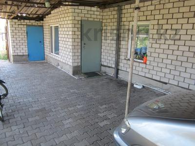 3-комнатный дом, 70 м², 12 сот., Мостовая за 7.5 млн 〒 в Караганде, Казыбек би р-н