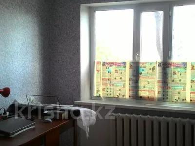 2-комнатная квартира, 45 м², 2/4 этаж, Маяковского за 11.8 млн 〒 в Нур-Султане (Астана), Алматы р-н