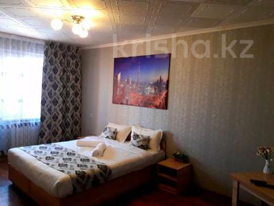 1-комнатная квартира, 42 м², 3/5 этаж посуточно, Кабанбай батыра 75/89 за 6 000 〒 в Талдыкоргане