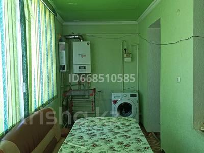 2-комнатная квартира, 58 м², 2/2 этаж, улица Момышулы 78 / 12 за 13 млн 〒 в Аксукенте