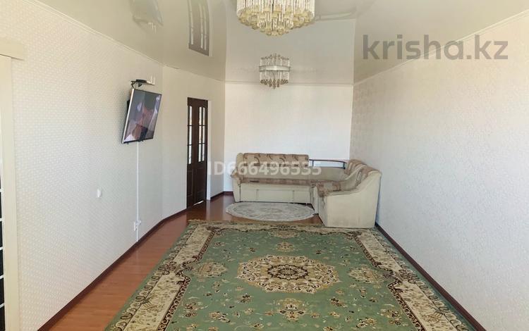 3-комнатная квартира, 105 м², 9/10 этаж, мкр Шанхай, Маресьева 2г за 18 млн 〒 в Актобе, мкр Шанхай