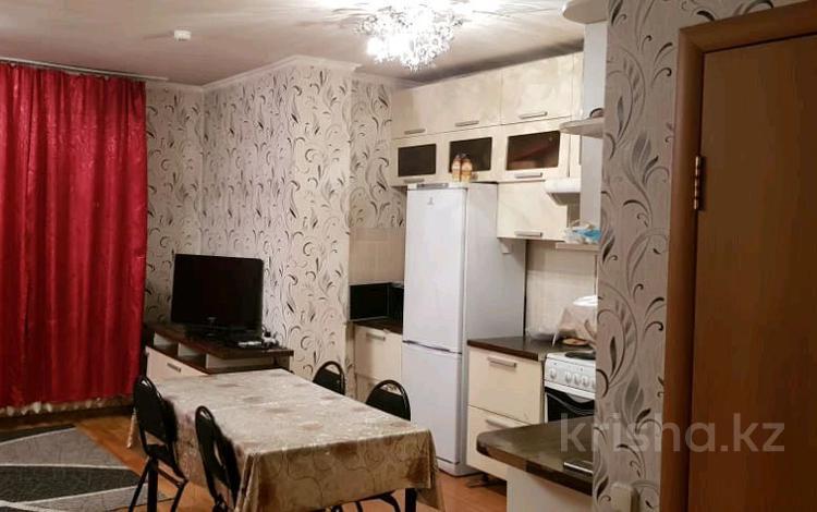 2-комнатная квартира, 61 м² помесячно, Богенбай батыра 56 за 120 000 〒 в Нур-Султане (Астана), Сарыарка р-н