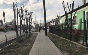 5-комнатный дом, 220 м², 10 сот., Толе Би б/н — Тауке Хана за 22 млн 〒 в Туркестане