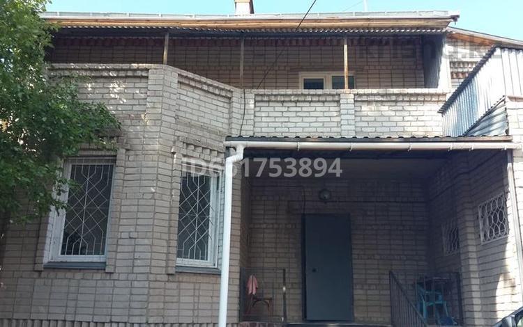 6-комнатный дом, 342 м², 7 сот., Потапова за 50 млн 〒 в Павлодаре