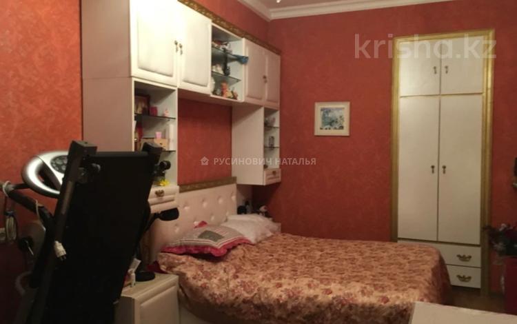 3-комнатная квартира, 65 м², 3/3 этаж, проспект Сакена Сейфуллина — Айтеке Би за 28.5 млн 〒 в Алматы, Алмалинский р-н