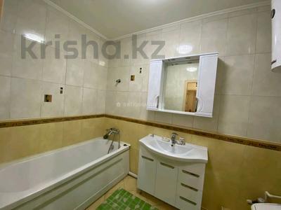3-комнатная квартира, 110 м², 2/2 этаж помесячно, Гоголя 30 за 250 000 〒 в Караганде, Казыбек би р-н — фото 15
