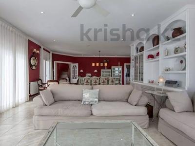 8-комнатный дом, 447 м², 10 сот., Calle de la basseta 1 за ~ 685.4 млн 〒 в Таррагоне — фото 12