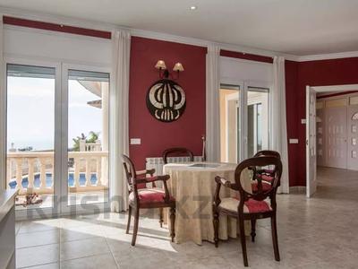 8-комнатный дом, 447 м², 10 сот., Calle de la basseta 1 за ~ 685.4 млн 〒 в Таррагоне — фото 13