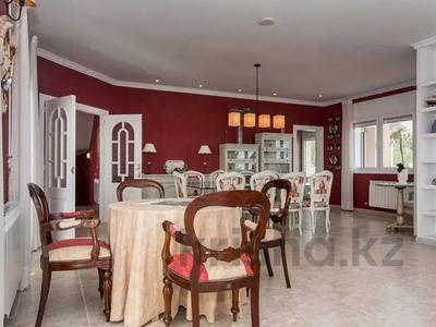 8-комнатный дом, 447 м², 10 сот., Calle de la basseta 1 за ~ 685.4 млн 〒 в Таррагоне — фото 14
