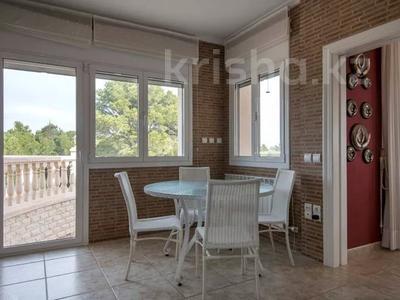 8-комнатный дом, 447 м², 10 сот., Calle de la basseta 1 за ~ 685.4 млн 〒 в Таррагоне — фото 19