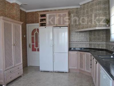 8-комнатный дом, 447 м², 10 сот., Calle de la basseta 1 за ~ 685.4 млн 〒 в Таррагоне — фото 21