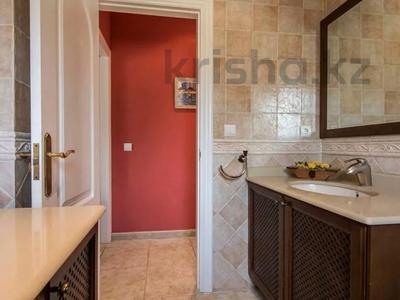 8-комнатный дом, 447 м², 10 сот., Calle de la basseta 1 за ~ 685.4 млн 〒 в Таррагоне — фото 22