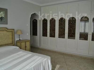 8-комнатный дом, 447 м², 10 сот., Calle de la basseta 1 за ~ 685.4 млн 〒 в Таррагоне — фото 27
