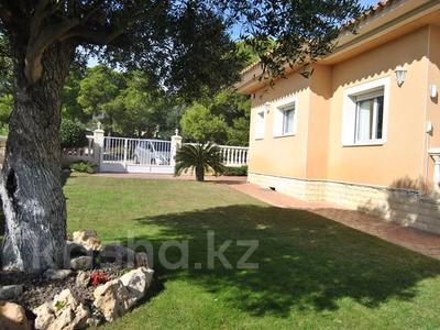 8-комнатный дом, 447 м², 10 сот., Calle de la basseta 1 за ~ 685.4 млн 〒 в Таррагоне — фото 3
