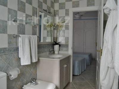 8-комнатный дом, 447 м², 10 сот., Calle de la basseta 1 за ~ 685.4 млн 〒 в Таррагоне — фото 30