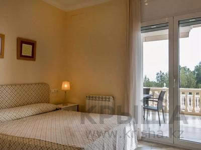 8-комнатный дом, 447 м², 10 сот., Calle de la basseta 1 за ~ 685.4 млн 〒 в Таррагоне — фото 32