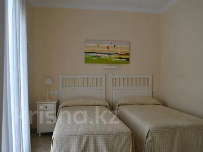 8-комнатный дом, 447 м², 10 сот., Calle de la basseta 1 за ~ 685.4 млн 〒 в Таррагоне — фото 34