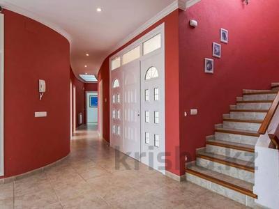 8-комнатный дом, 447 м², 10 сот., Calle de la basseta 1 за ~ 685.4 млн 〒 в Таррагоне — фото 40