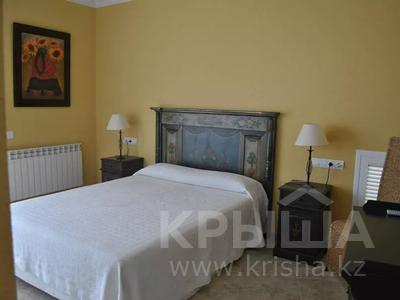 8-комнатный дом, 447 м², 10 сот., Calle de la basseta 1 за ~ 685.4 млн 〒 в Таррагоне — фото 47