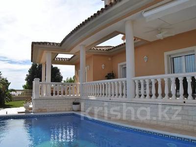 8-комнатный дом, 447 м², 10 сот., Calle de la basseta 1 за ~ 685.4 млн 〒 в Таррагоне — фото 53