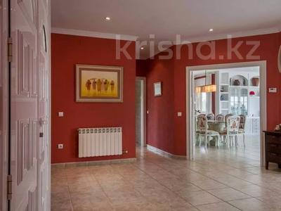 8-комнатный дом, 447 м², 10 сот., Calle de la basseta 1 за ~ 685.4 млн 〒 в Таррагоне — фото 6