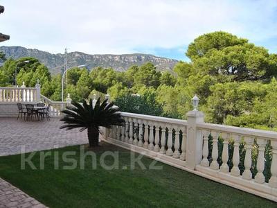 8-комнатный дом, 447 м², 10 сот., Calle de la basseta 1 за ~ 685.4 млн 〒 в Таррагоне — фото 62