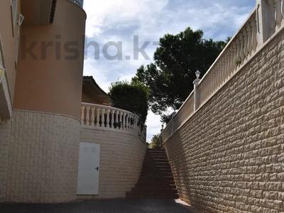 8-комнатный дом, 447 м², 10 сот., Calle de la basseta 1 за ~ 685.4 млн 〒 в Таррагоне — фото 66