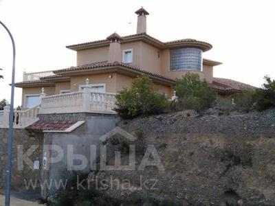 8-комнатный дом, 447 м², 10 сот., Calle de la basseta 1 за ~ 685.4 млн 〒 в Таррагоне — фото 67