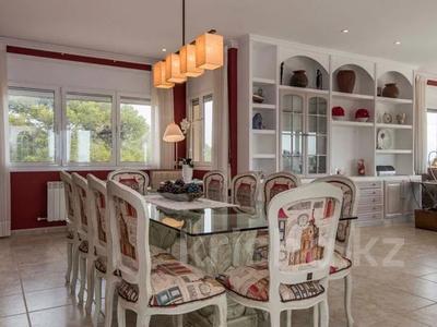 8-комнатный дом, 447 м², 10 сот., Calle de la basseta 1 за ~ 685.4 млн 〒 в Таррагоне — фото 7