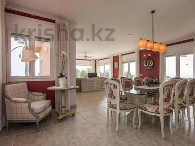 8-комнатный дом, 447 м², 10 сот., Calle de la basseta 1 за ~ 685.4 млн 〒 в Таррагоне — фото 8